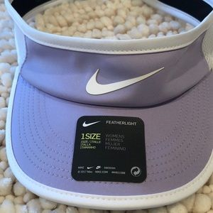Nike Aerobill lilac and white tennis visor - O/S